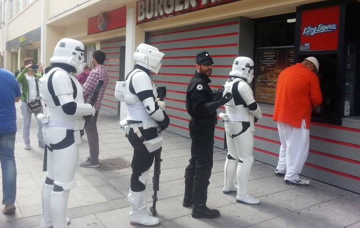 star wars burgers cosplays
