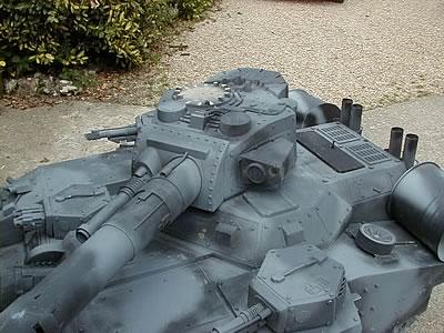 model-secret-tank-1062b