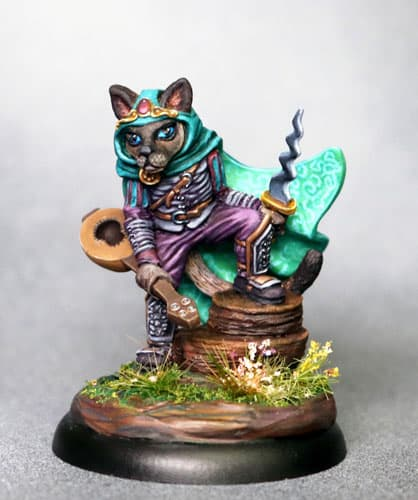 FRANKIE - CAT ROGUE WITH DAGGER dark sword