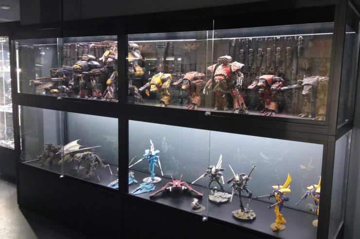 Warhammer World Diy Idea For Your Display Case Spikey Bits